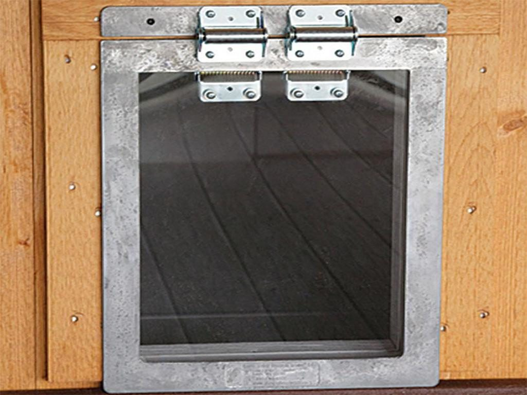 deluxe doggie door dog kennel options